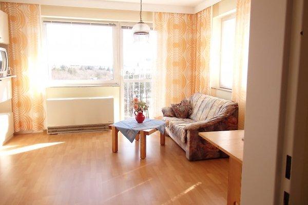Helles Wohnzimmer mit tollem Meerblick