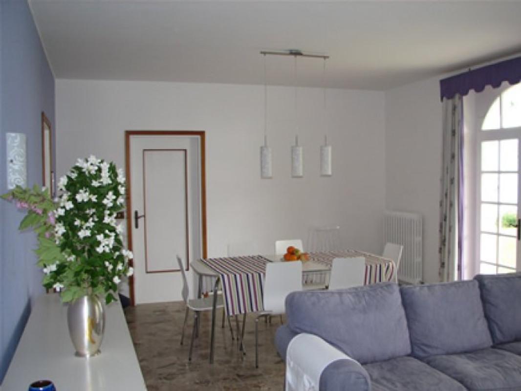 Wohn Esszimmer/grosse Wohnung