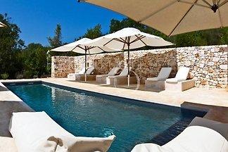 Villa Gastalena avec piscine privée.