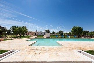 Trullo Cocò with private pool