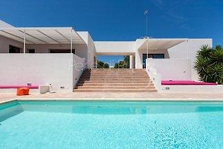 Villa Karma mit grossem Privatpool