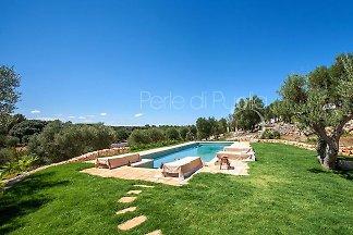 Trullo della Volpe with private pool