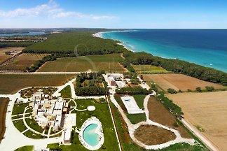 résidence de bord de mer de luxe avec piscine