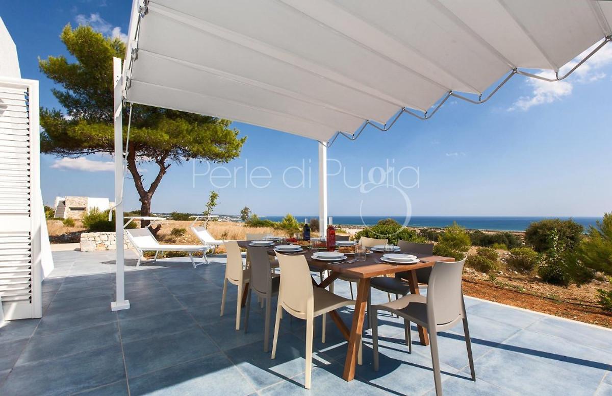 villa marine avec vue sur la mer maison de vacances salve louer. Black Bedroom Furniture Sets. Home Design Ideas