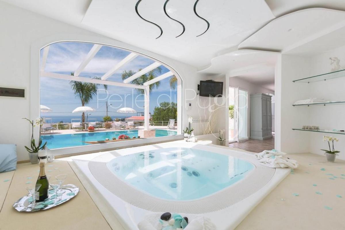 Villa con piscina privata solu appartamento in santa - Casa vacanze con piscina privata ...
