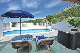 Maison de vacances avec piscine à Stanici