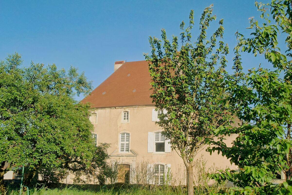 Bourgeois huis gebouwd in 1666 vakantie appartement in cendrey huren - Huis bourgeois huis ...
