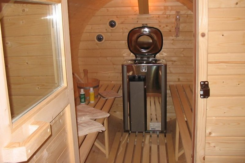 4 sterne ferienhaus in alleinlage ferienhaus in ahorntal mieten. Black Bedroom Furniture Sets. Home Design Ideas