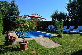 Ferienhaus Csepp mit Pool