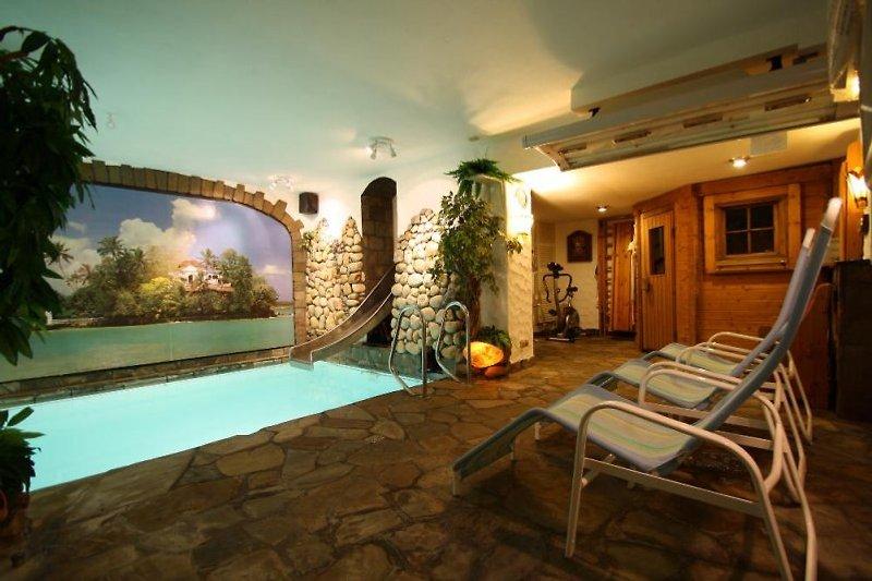 Hallenbad zur täglichen Alleinnutzung im Haus