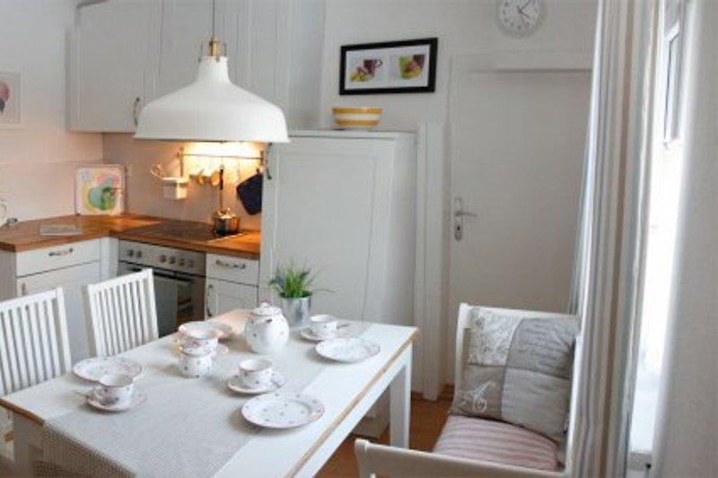 Küche mit Eßplatz