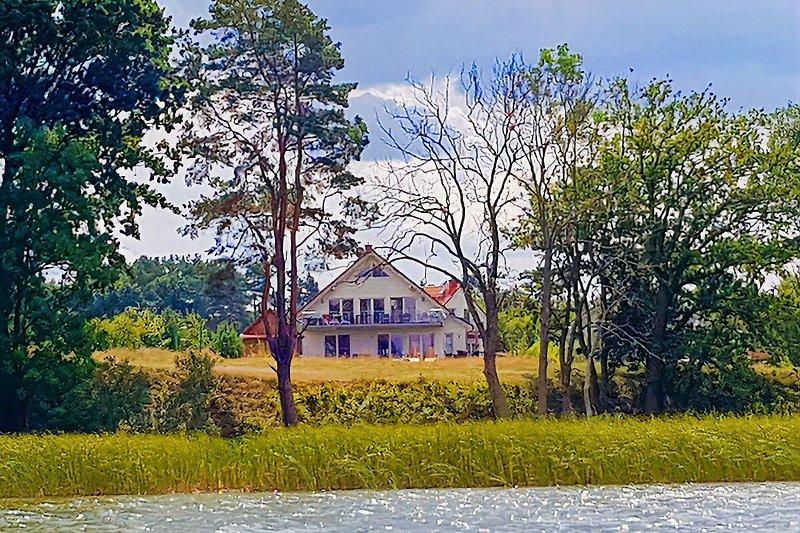 Vilzseehaus vom Wasser aus