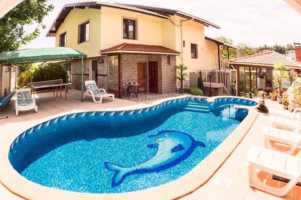 Villa Sunshine in Balchik - picture 1