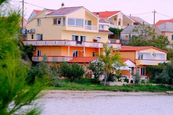 Condos face à l'océan, FRUHRABATT à Ljubac - Image 1