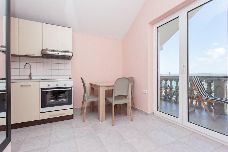 Küche, Essecke (Balkon)