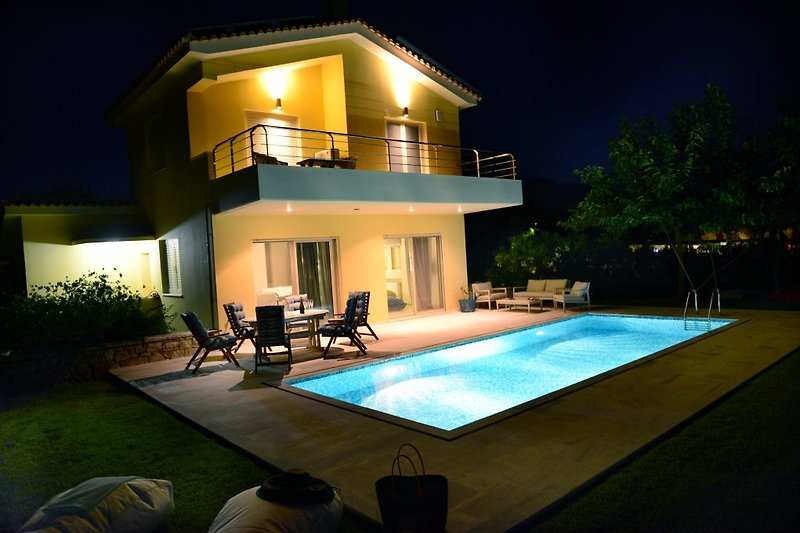 Night view of Villa & Private pool