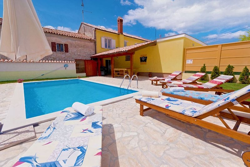 Villa Dajana, privater Garten und Pool