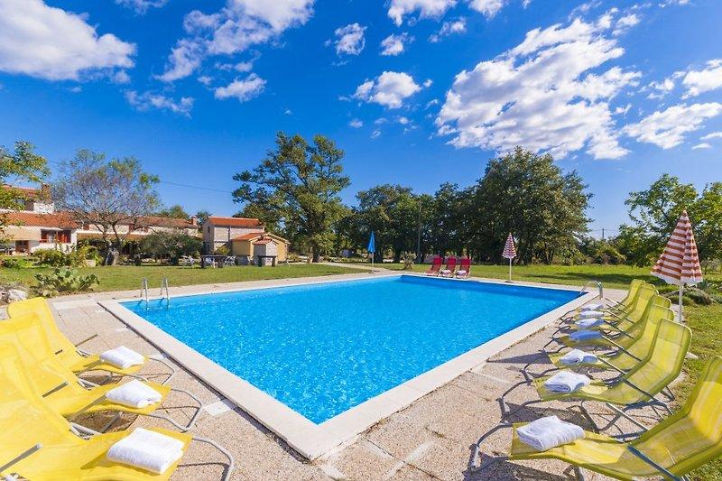 Pool im Villa Tone, zum Teilen