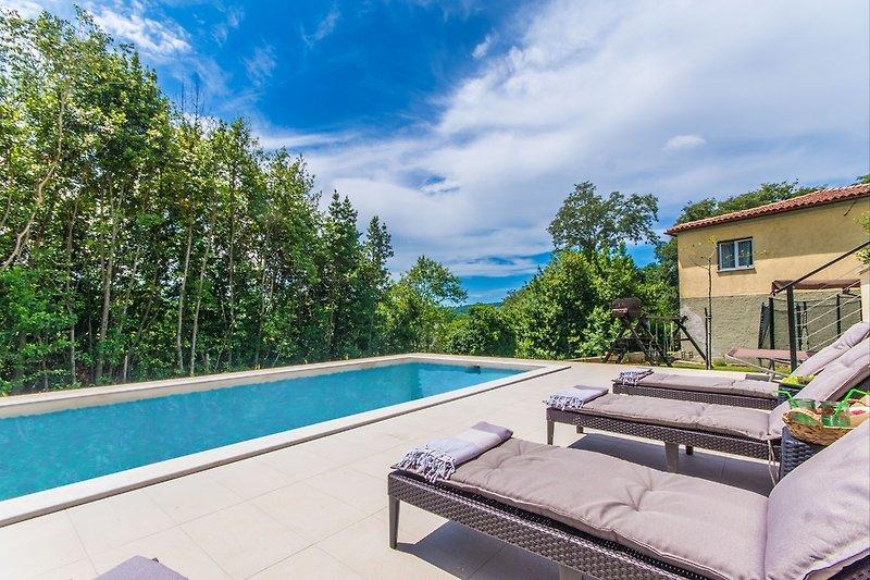 Ein privater Pool exklusiv für Ihren Gebrauch