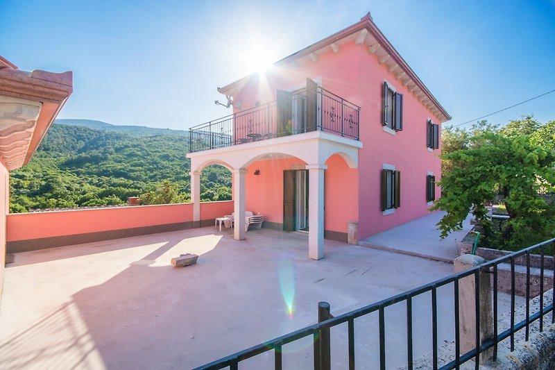Villa Oliva, Sveta Marina