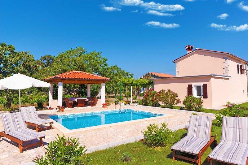 Villa Ana, Brgod