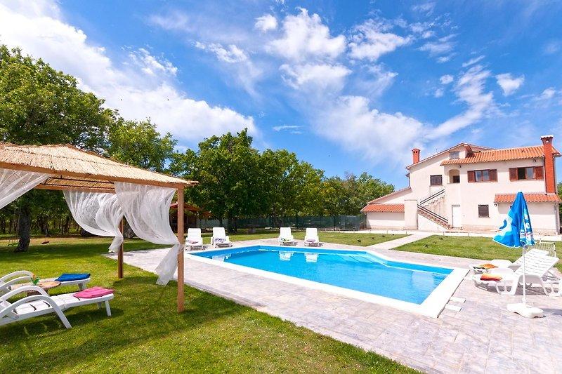 Willkommen in der Villa Oaza