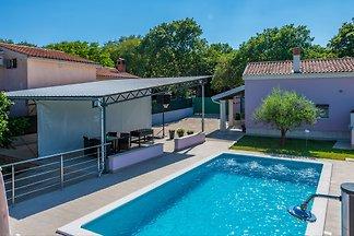 Villa Intacta