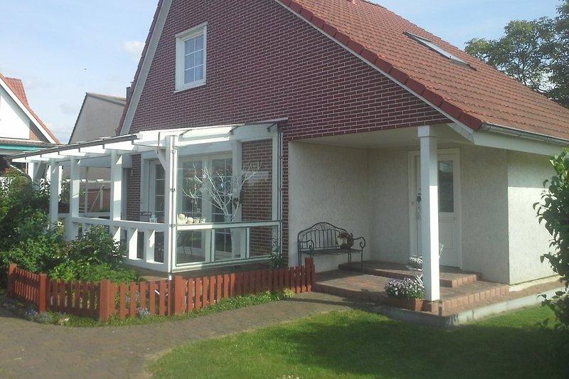 ferienhaus lotti brandenburg ferienhaus in brandenburg an der havel mieten. Black Bedroom Furniture Sets. Home Design Ideas
