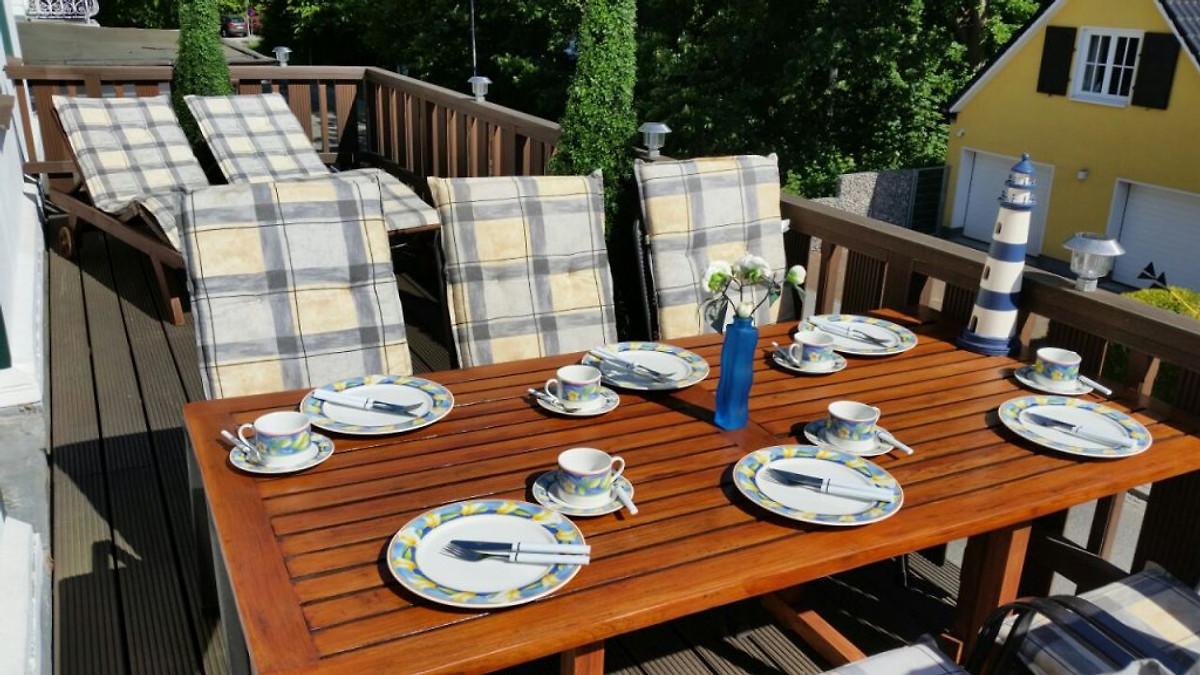 villa lotsenberg ferienwohnungen ferienwohnung in travem nde mieten. Black Bedroom Furniture Sets. Home Design Ideas