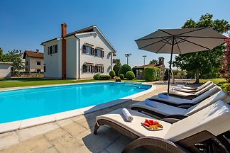 House with pool near Opatija