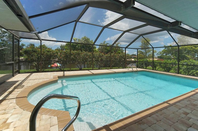 Pool & Patio neu Juni 2017