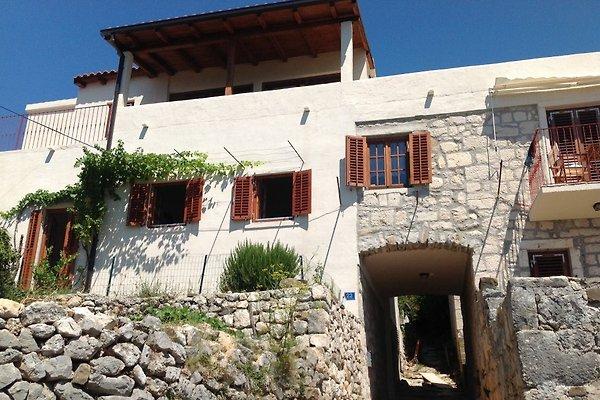 Casa de piedra con vistas panorámicas al mar en Podgora - imágen 1