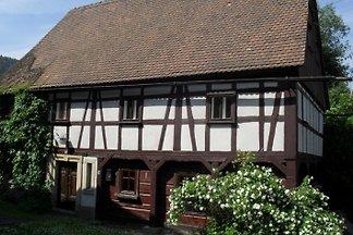 Ferienhaus im Zittauer Gebirge, in Waltersdorf, am Fuße der Lausche gelegen. Vermietung nur in der Zeit von  März bis Oktober.