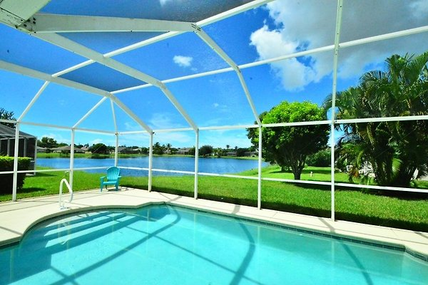 Holiday home in Fort Myers - picture 1