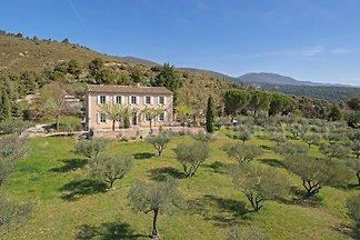 Généreux, spacieuse villa - pour 2 - 8 (max 10) habitable -ganzjährig personnes - sud versant du Luberon - village proche, calme, endroit ouvert - PISCINE - olive / Macchie -