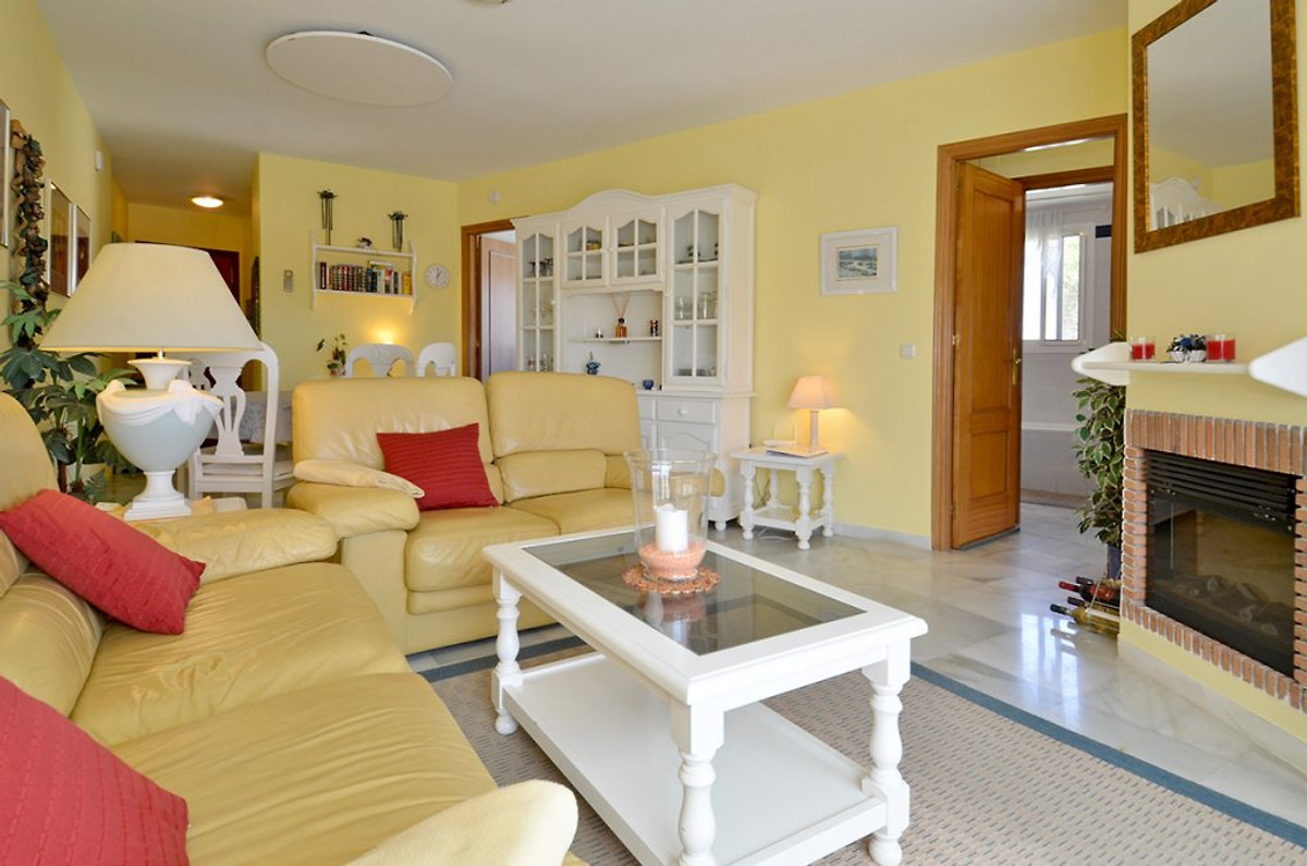 penthouse 39 mijas golf 39 ferienwohnung in mijas mieten. Black Bedroom Furniture Sets. Home Design Ideas