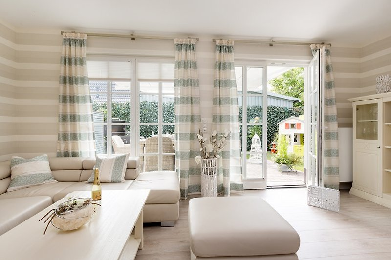 Luxus ferienhaus zingster perle 1 ferienhaus in zingst for Wohnlandschaft 8 personen