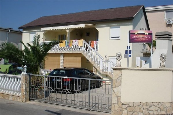 Apartmani Debeljak à Vir - Image 1