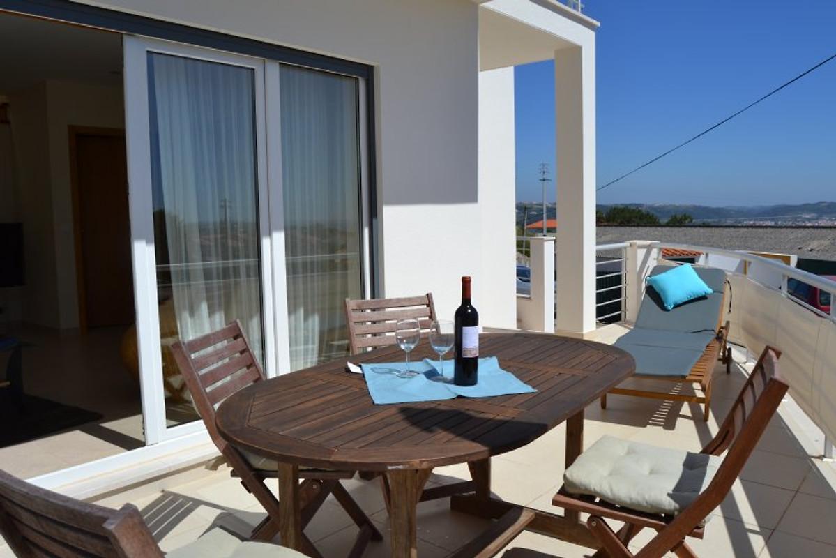 Boa vida vakantiehuis in sao martinho do porto huren - Beschermd zonneterras ...