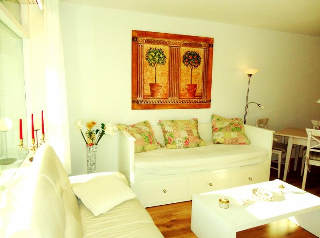 ostsee zum wohlf hlen m hallenbad ferienwohnung in sierksdorf mieten. Black Bedroom Furniture Sets. Home Design Ideas
