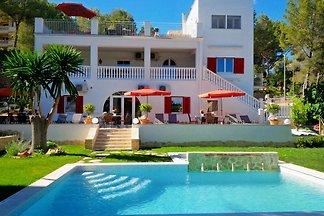 4 Ferienwohnungen *Villa Michaela*