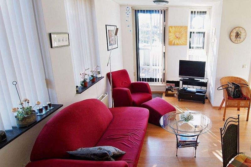 Wohnzimmer mit Sonneterrasse