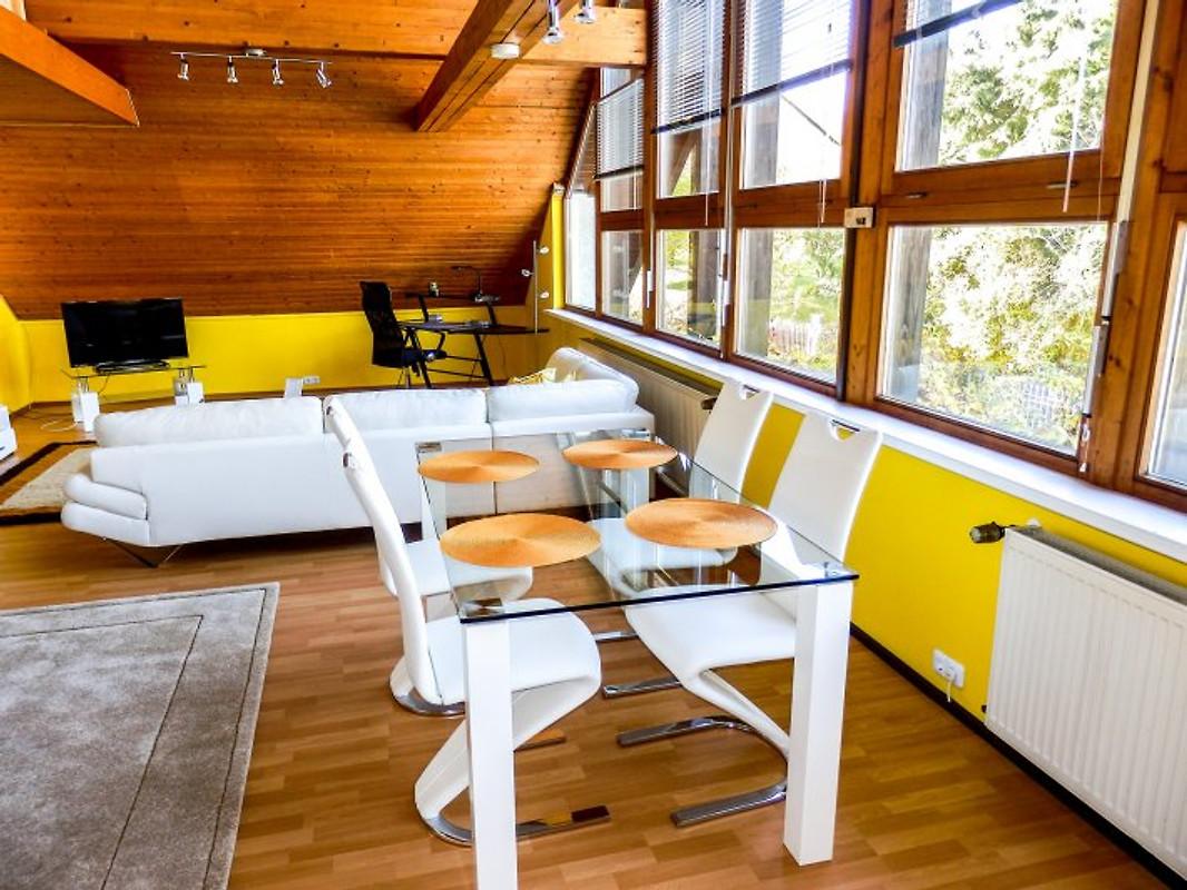 studiowohnung hof in nordbayern ferienwohnung in oberkotzau mieten. Black Bedroom Furniture Sets. Home Design Ideas