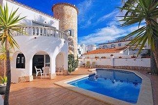 Casa Toni con piscina privata, vicino alla spiaggia