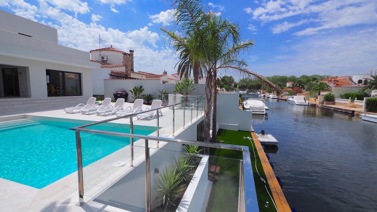 Villa malibu avec piscine priv e maison de vacances for Villa de vacances avec piscine privee