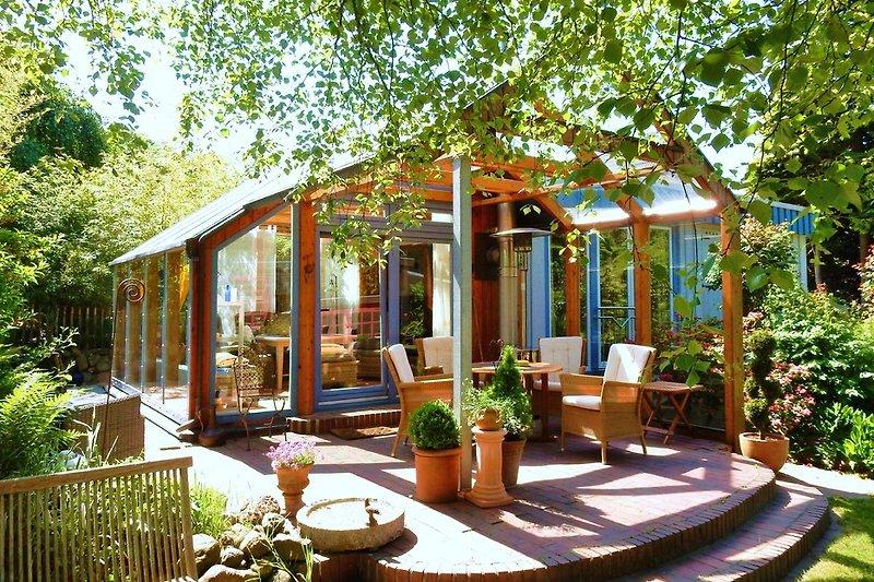 Schöner Wohnen *Wintergarten*Sommergarten  mit überdachter Terrasse