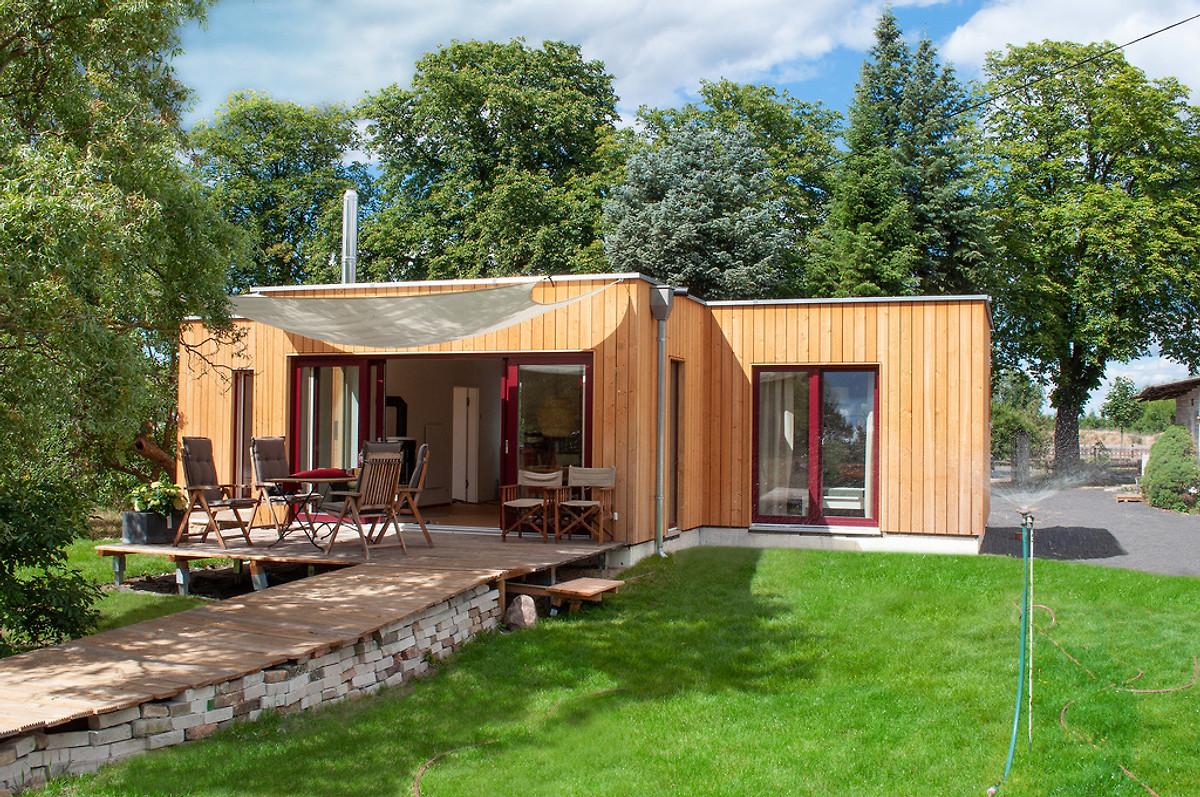 bungalow am bernsteinsee bei berlin ferienhaus in marienwerder mieten. Black Bedroom Furniture Sets. Home Design Ideas