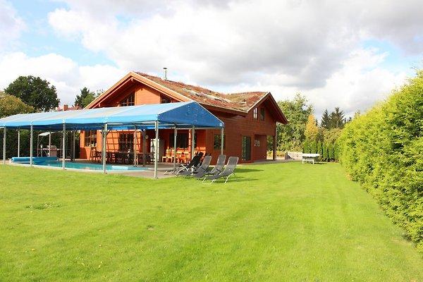 luxus villa mit pool nahe berlin ferienhaus in. Black Bedroom Furniture Sets. Home Design Ideas