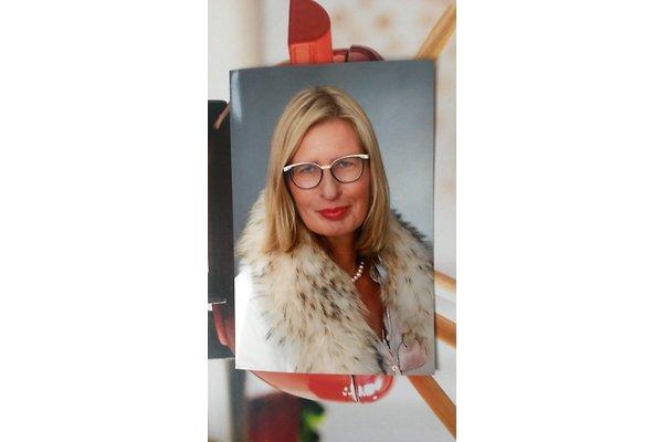 Frau A. Zies