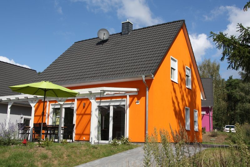 Hausbeispiel mit überdachter Terrasse